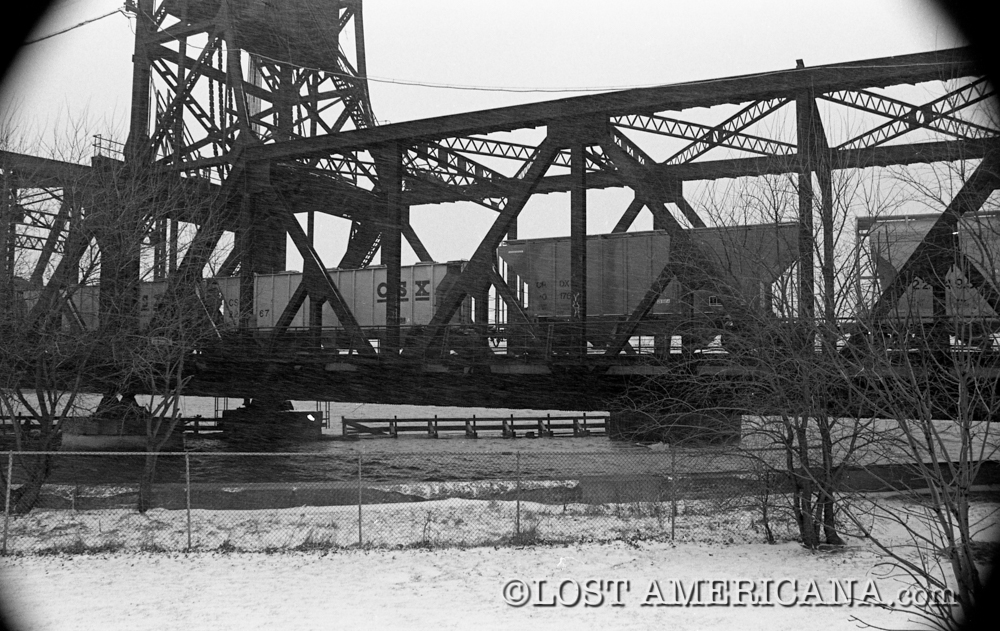 Photos of the old Rock Island train bridge over the south end of the Des Plaines River in Joliet, Illinois. 
