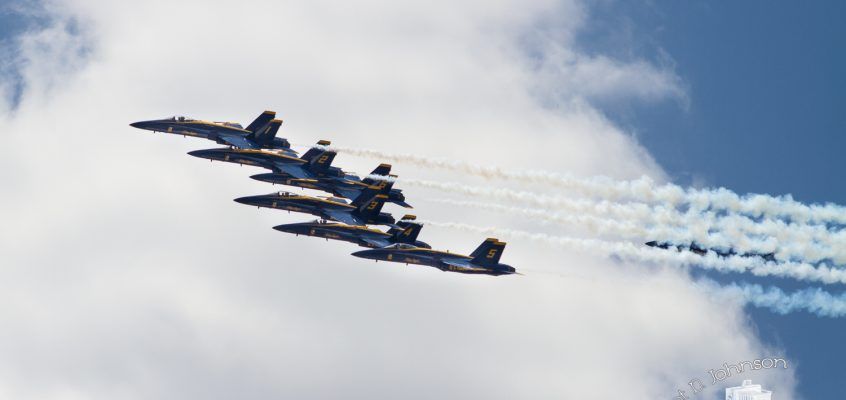 Blue Angels over Chicago for Covid-19 workers